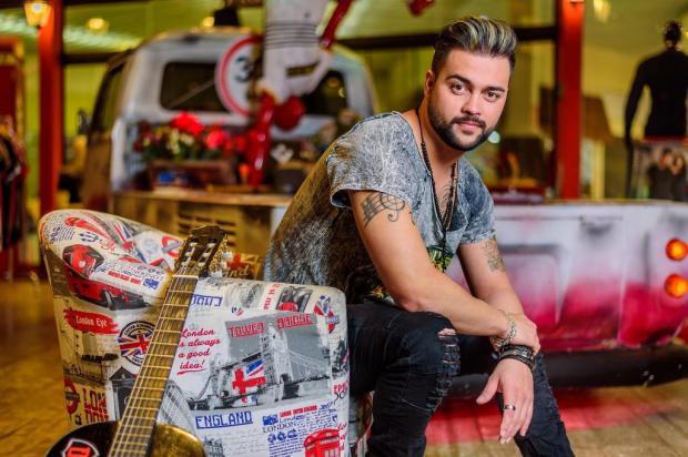 """3por4: cantor sertanejo caxiense Diego Ramirez lança nesta sexta a nova música """"Chega de Lágrimas"""" Eduardo de Moraes/Divulgação"""