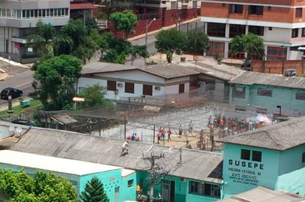 Detento tenta fugir pelo telhado após tumulto no presídio de Bento Gonçalves Jorge Lobo Pizzatto / Divulgação/Divulgação