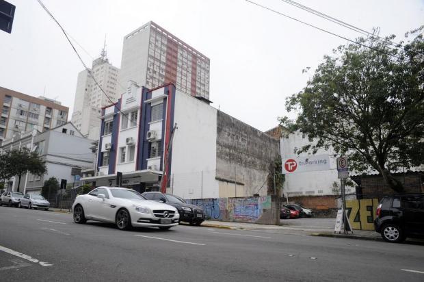 Estacionamento do antigo Shopping Triches, em Caxias, tem mais um acesso Marcelo Casagrande/Agencia RBS