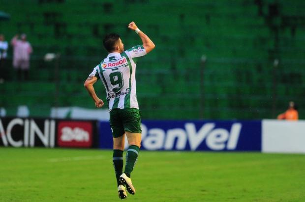 Em jogo típico de Campeonato Gaúcho, Juventude faz 3 a 1 no São Paulo-RG Porthus Junior/Agencia RBS