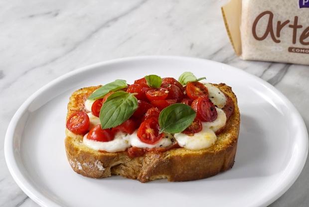 Prove bruschettas de tomate e manjericão Tastemade / Divulgação/Divulgação