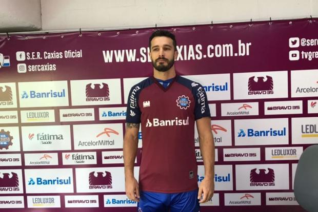Zagueiro Josias Basso é apresentado pelo Caxias Cristiano Daros / Pioneiro/Pioneiro