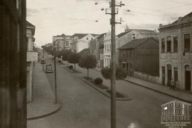 Memória: Mercadinho do Povo, na Avenida Júlio, em 1947 Reno Mancuso/Acervo Arquivo Histórico Municipal João Spadari Adami,divulgação
