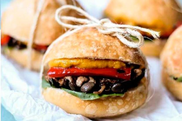 Faça este sanduíche de shimeji para o fim de semana com os amigos Divulgação/