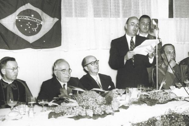 Memória: Getúlio Vargas no Real Hotel em 1954 Acervo Arquivo Histórico Municipal João Spadari Adami/divulgação