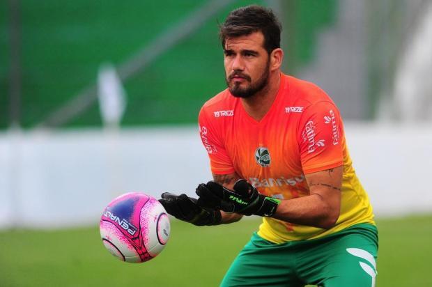 Goleiro Matheus Cavichioli sofre entorse no tornozelo e vira desfalque para o Juventude na estreia da Copa do Brasil Porthus Junior/Agencia RBS
