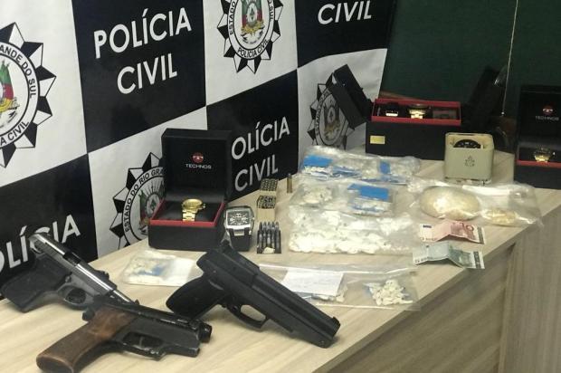 Ação da Polícia Civil apreende joias e 544 pedras de crack em Caxias do Sul Polícia Civil/divulgação