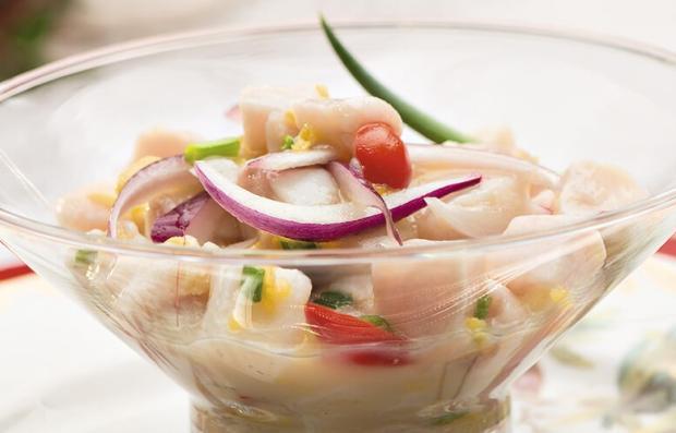Experimente ceviche de peixe branco /