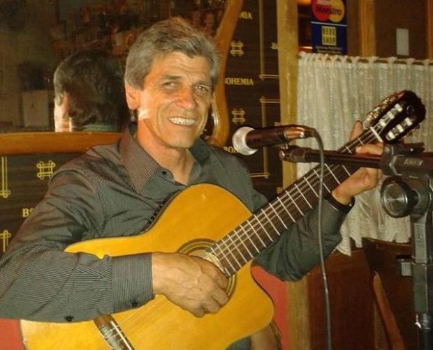 Agenda: Walter Mieres faz música ao vivo no La Cueva nesta quinta, em Caxias /
