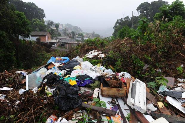 Falta de educação e fiscalização frágil facilitam a proliferação de lixões clandestinos em Caxias do Sul Roni Rigon/Agencia RBS