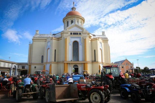 Agricultores fazem romaria ao Santuário de Caravaggio, em Farroupilha, nesta sexta-feira Adroir Fotógrafo/Prefeitura de Farroupilha