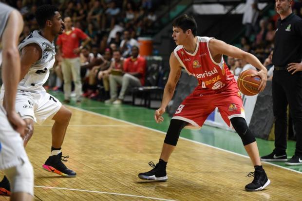 Em mais uma noite histórica, Caxias Basquete vence Bauru e segue surpreendendo no NBB Victor Lira/Bauru Basket,Divulgação