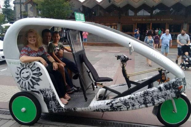 Triciclo elétrico é nova atração turística de Gramado Eduardo Kny/divulgação