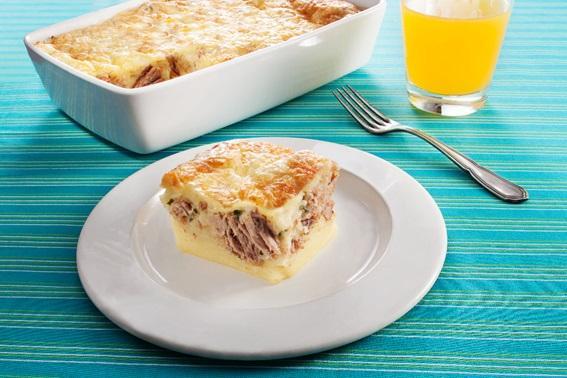 Prove torta com massa de pão de queijo e atum Camil / Divulgação/Divulgação