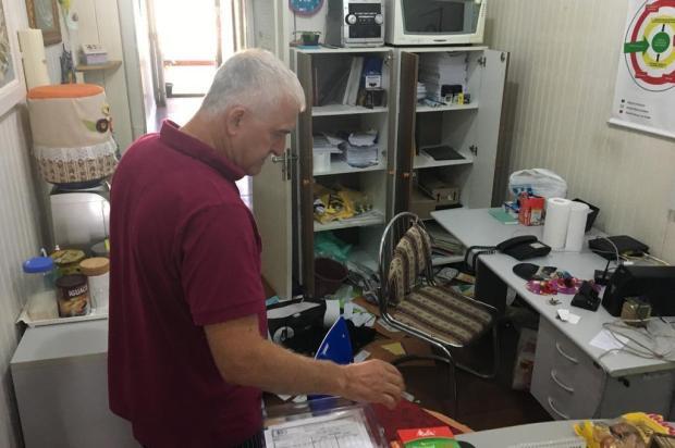 Ladrão arromba CVV e telefone 188 está fora de serviço em Caxias do Sul Leonardo Lopes/Agencia RBS