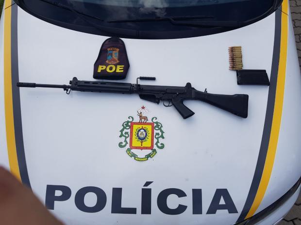 BM encontra fuzil durante buscas aos assaltantes de carro-forte em Bento Gonçalves Brigada Militar / Divulgação/Divulgação
