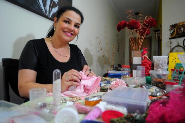 3por4: Que tal doar aquelas bijuterias que você não usa mais para um projeto de customização de roupas? Felipe Nyland/Agencia RBS