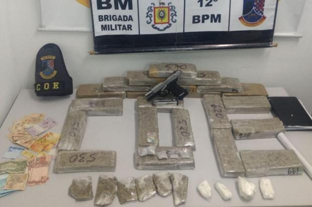 Policiais militares de Caxias apreendem 15kg de drogas e pistola 9mm Brigada Militar/Divulgação