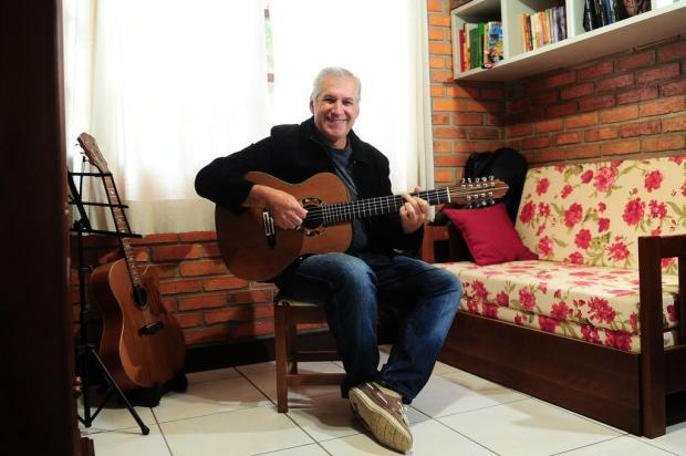 """Valdir Verona faz show de lançamento do CD """"Viola de 9 Cordas"""" nesta quinta-feira, em Caxias Diogo Sallaberry/Agencia RBS"""