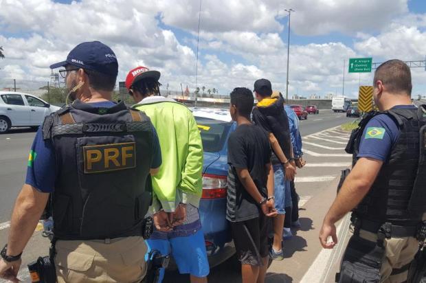 Quadrilha é presa ao ser flagrada combinando assaltos enquanto trafegava em ônibus de Bento Gonçalves PRF/divulgação