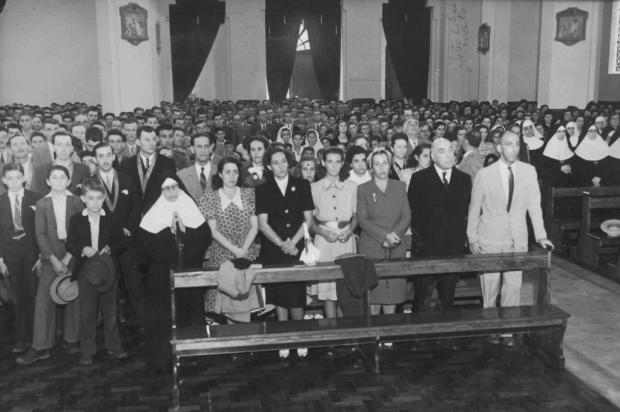 Memória: bênção da matriz de Galópolis em 1947 Acervo pessoal de Therezinha Spinato Bissaco/Divulgação