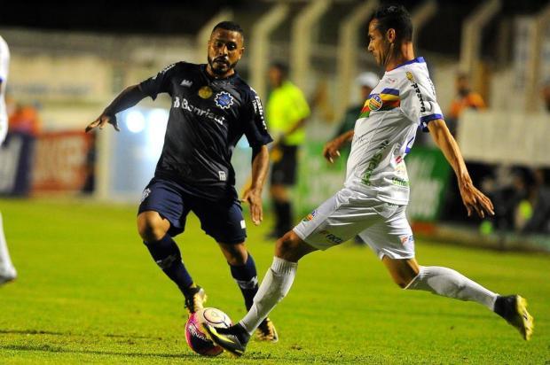 Em duelo equilibrado, Veranópolis e Caxias empatam em 0 a 0 no Antônio David Farina Felipe Nyland/Agencia RBS