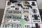 Quatro homens são presos por porte ilegal de armas e roubo de veículos, em Caxias /