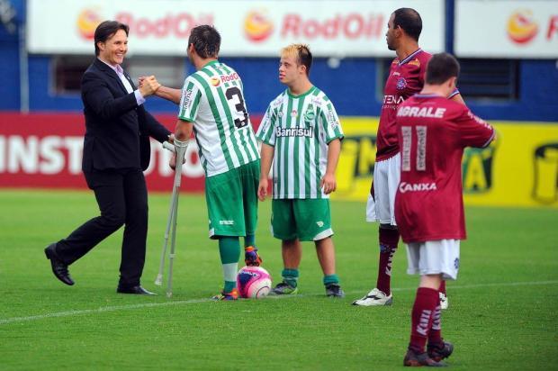 Prefeito de Caxias do Sul abre partida de futebol adaptado antes do clássico Ca-Ju  Felipe Nyland/Agencia RBS
