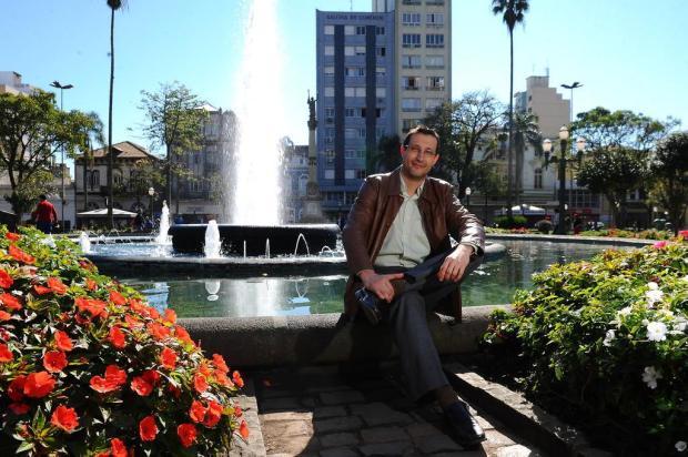 3por4: Livros do escritor radicado em Caxias Uili Bergamin chegam à quinta edição Jonas Ramos/Agencia RBS