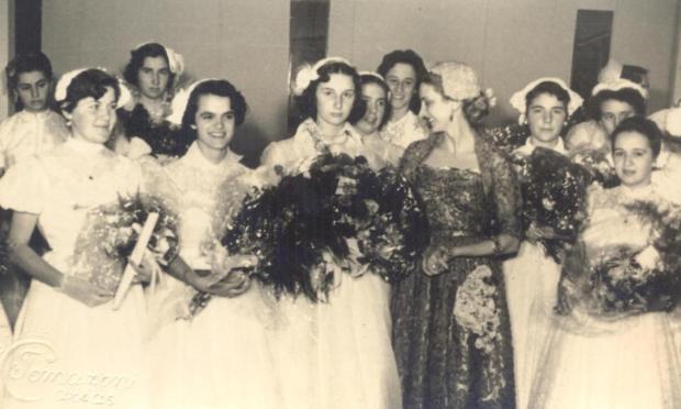 Memória: ginásio da Escola Normal Duque de Caxias em 1953 Studio Tomazoni Caxias/acervo pessoal de Beatriz Soldatelli Gollo,divulgação