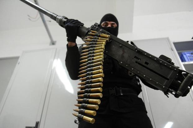 Ataques a carros-forte e crimes ordenados da prisão: a história da metralhadora .50 apreendida na Serra Ronaldo Bernardi/Agencia RBS