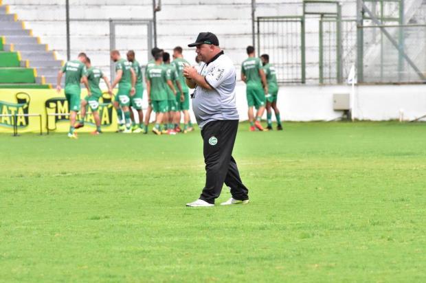 Com portões fechados, Julinho Camargo comanda primeiro treino no Juventude Arthur Dallegrave/Juventude,Divulgação