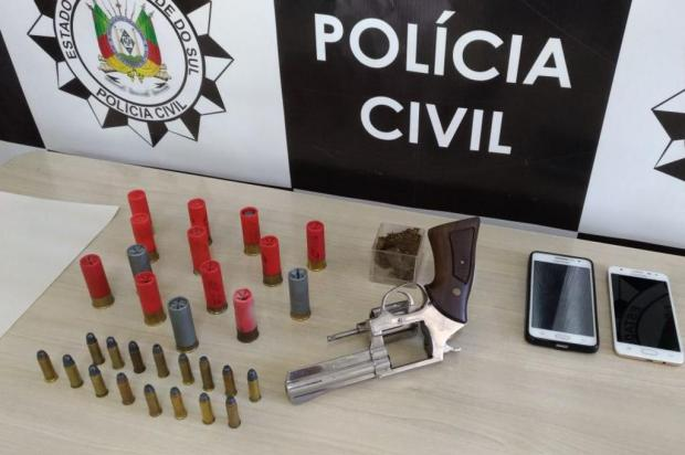 Munições de uso restrito e revólver são apreendidos em casa de Farroupilha Polícia Civil/Farroupilha