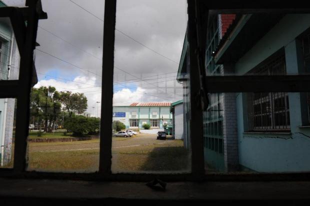 Melhorias prometidas para a escola Cristóvão de Mendoza devem sair até julho Roni Rigon/Agencia RBS