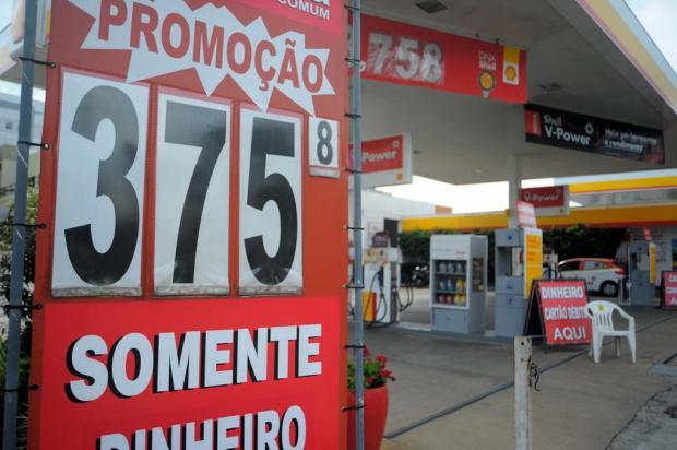 Postos de Caxias migram para bandeira branca. Guerra dos preços deve acabar em horas Felipe Nyland/Agencia RBS
