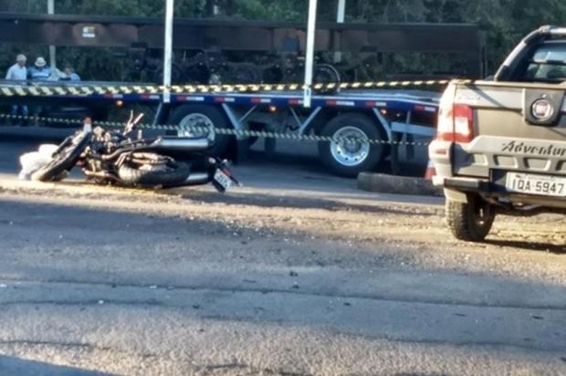 Colisão entre moto e caminhonete mata rapaz e deixa outro ferido em Garibaldi Claudir Norberto Pontin/Rádio Estação FM