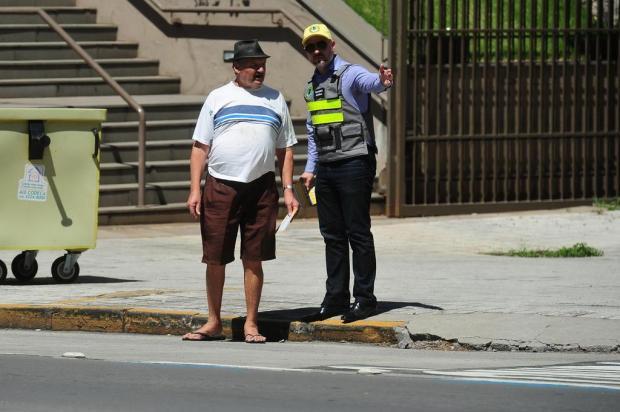Campanha quer incentivar pedestres a usarem faixa de segurança, em Caxias do Sul Diogo Sallaberry/Agencia RBS