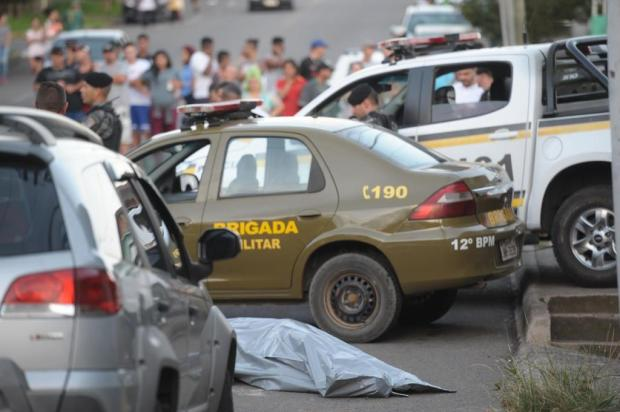 Ocupantes de carro matam homem a tiros no bairro Pôr do Sol, em Caxias Porthus Junior/Agencia RBS