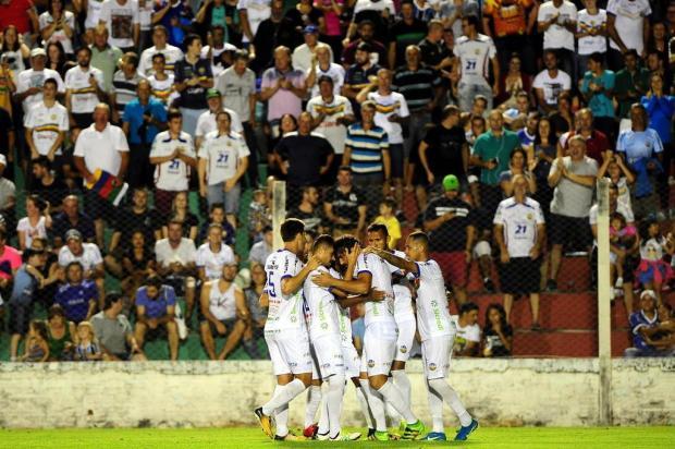 Veranópolis bate o São José no jogo de ida das quartas, no Antônio David Farina Diogo Sallaberry/Agencia RBS