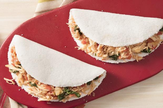 Na cozinha: aprenda a fazer essa tapioca de frango com espinafre Nestlé / Divulgação/Divulgação