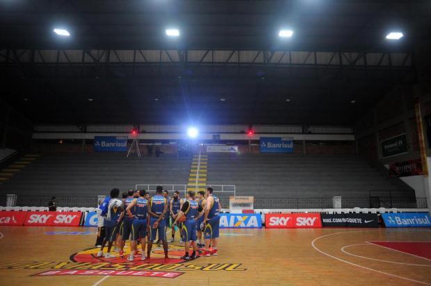 Intervalo: Noite de ginásio lotado e grande duelo no Vascão Felipe Nyland/Agencia RBS