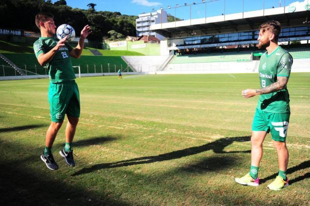 Juventude apresenta volante Bertotto e zagueiro/lateral Neuton para a Série B Porthus Junior/Agencia RBS