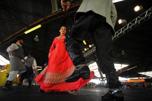 Festival de Danças Tradicionais reúne mais de 10 mil pessoas em Caxias do Sul Felipe Nyland/Agencia RBS