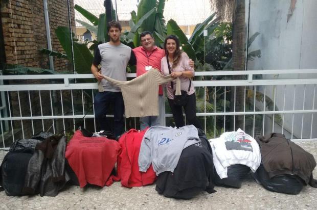 Centro Pop Rua recebe agasalhos arrecadados por casa noturna de Caxias Centro Pop Rua/Divulgação