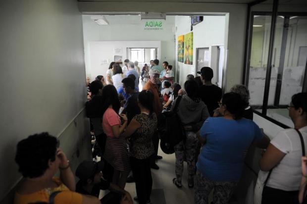 De novo, longa espera no Postão, em Caxias Marcelo Casagrande/Agencia RBS