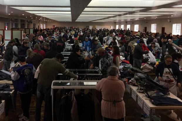Bazar do Bem venderá roupas por R$ 1 e R$ 2 em Caxias do Sul neste sábado Associação Mão Amiga/Divulgação