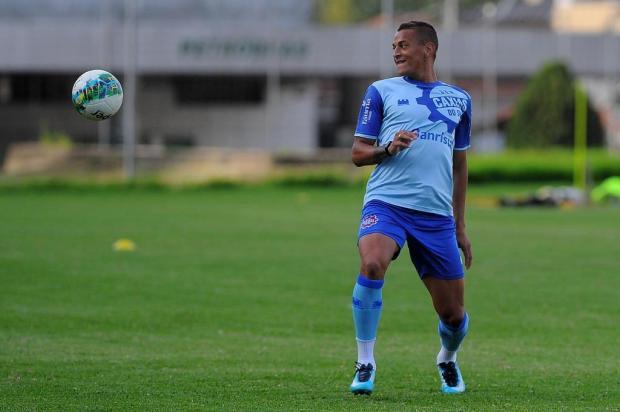 Atacante Wesley elogia estrutura do Caxias e promete empenho por acesso Felipe Nyland/Agencia RBS