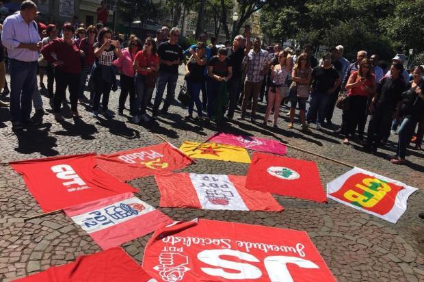 Uso de bandeira do PDT em ato contra a prisão de Lula, em Caxias, provoca divisão no partido Raquel Fronza/Agência RBS