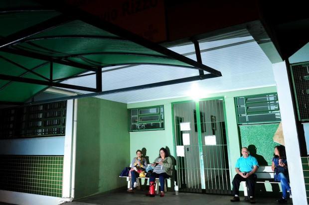 Pacientes seguem formando fila na madrugada para conseguir consultas em UBSs de Caxias Diogo Sallaberry/Agencia RBS