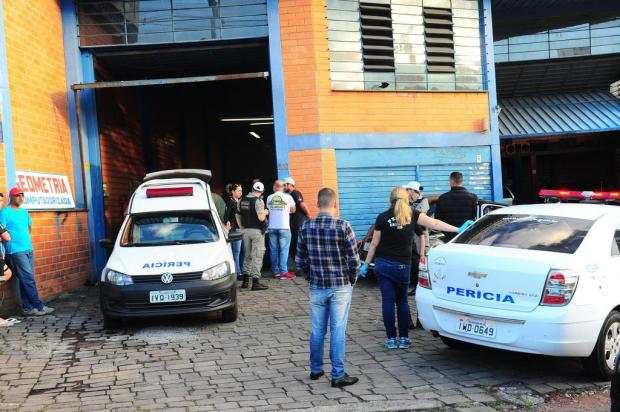 Foragido é morto, em Caxias, por atiradores com carro roubado em Novo Hamburgo Porthus Junior/Agencia RBS